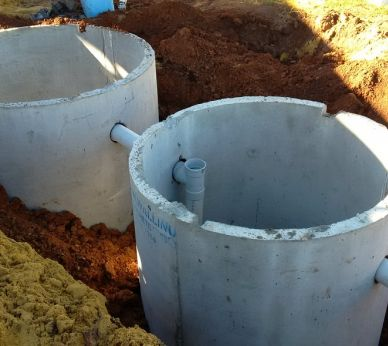 Concrete Septic tanks & Leach drains